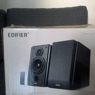 Speaker Edifier R1800T III