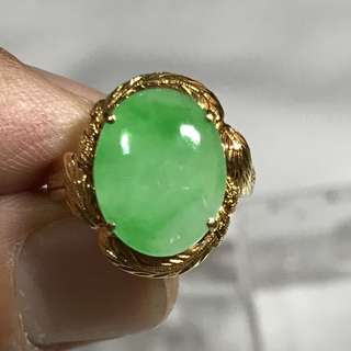 CLEARANCE SALES {Women's Jewelry - Jade Ring} Beautiful Vintage Solid 18K Yellow Gold Jade Ring