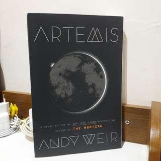 [FREE ONGKIR JABODETABEK] Artemis by. Andy Weir