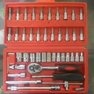 CR-V Professional Tool ( 46 pieces )