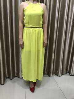 Dress kuning panjang