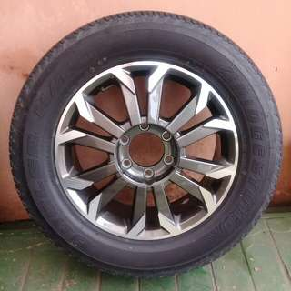 1 set Izuzu Dmax Rims and Tyres