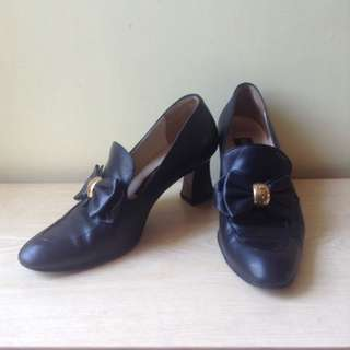 Helen Marlen heeled black shoes