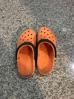 CROCS orange