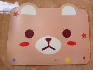 Mouse pad motif boneka