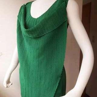 Pleate Please 綠色雙層布片皺褶上衣