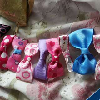 Ribbons brooch $2.00 for 2 pieces