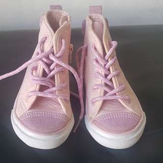 Kids rubber shoes