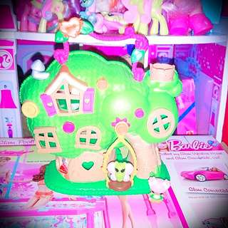 Lalaloopsy Treehouse with 1 small lalaloopsy and butterfly
