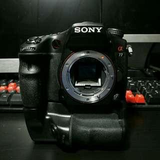 Sony A77(Mk I) camera with Vivitar VG-C77AM Battery Grip