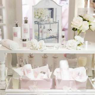 Jill Stuart skincare and makeup