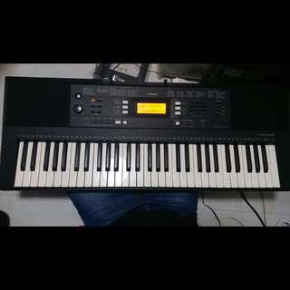 Yamaha E343 Electronic Keyboard