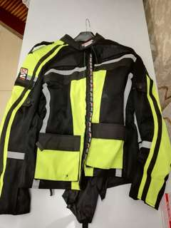 Iztwo Water Proof Riding Jacket and Gloves