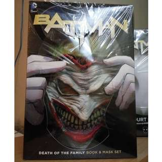 DC Batman Death of the Family (Mask + Book)
