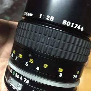 🚚 鏡頭 Nikon ai 135mm f2.8 ai 手動 美品 含前後蓋