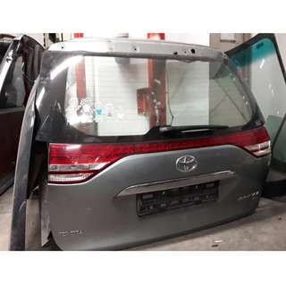 TOYOTA ESTIMA TAILGATE ONLY