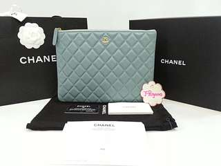Authentic BNIB Chanel Quilted Iridescent Caviar Leather Medium O Case GHW {{ Only For Sale }} ** No Trade ** {{ Fixed Price Non-Neg }} ** 定价 **