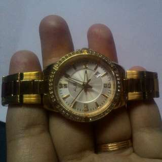 Jam tangan wanita alba