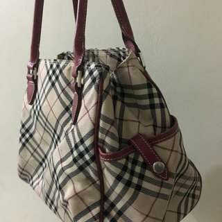 Burberry bag - authentic
