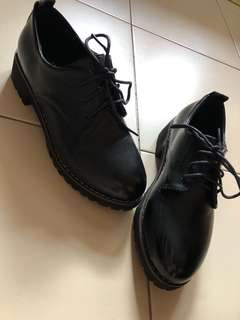 Dr Martens inspired low cut shoes