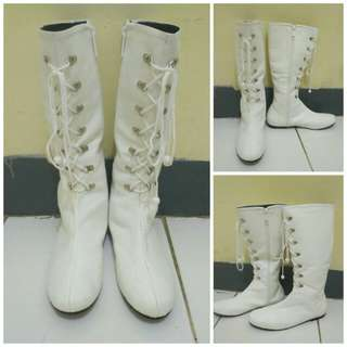 White Boots / Boots Putih