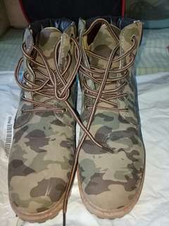 Winter shoes boots camouflage