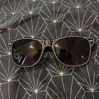 Faux diamond Studded sunglasses