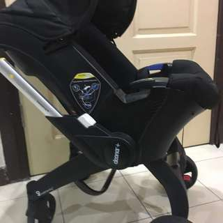 Doona Car Seat Stroller (Black/ night) –used