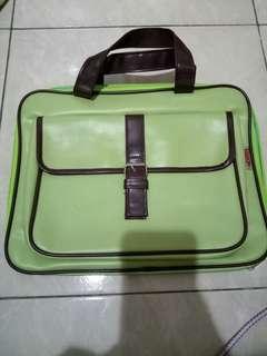 Tas laptop / notebook merek naughty anti air