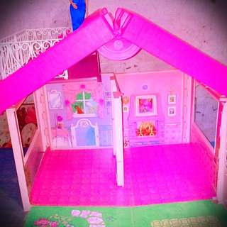 Barbie dollhouse Fun n Fold House 1992
