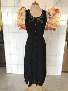 Black Dress authentic ULUWATU Balenese lace dress size M narnd new with tag