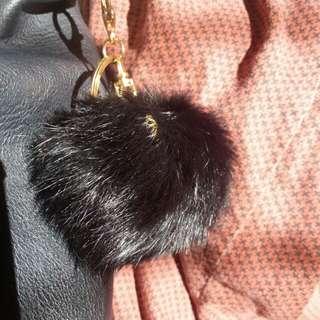 Fluffy fur ball keychain - BLACK