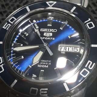 Seiko 5 Sports SNZH53 FFF automatic sports watch