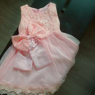 lacey dress with detachable bow
