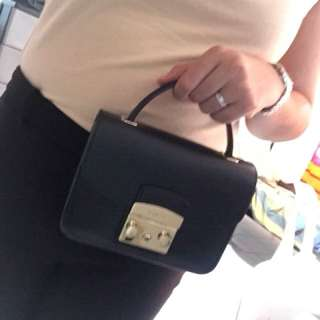 Furla Metropolis Mini Black with Handle