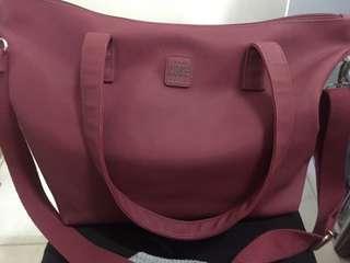 Body bag maroon