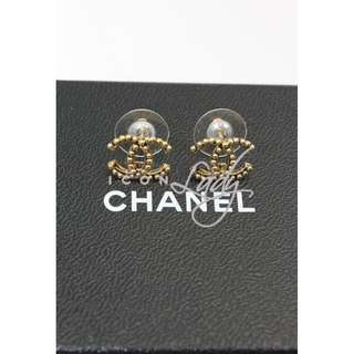 CHANEL A45208 復古金色嵌珠CC Logo 耳環