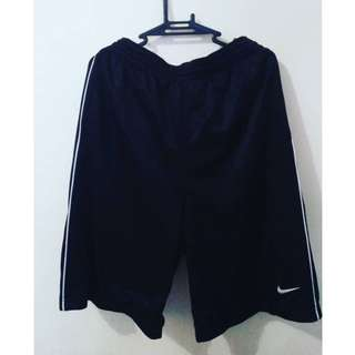 Nike shorts!! 100% original (med-large)