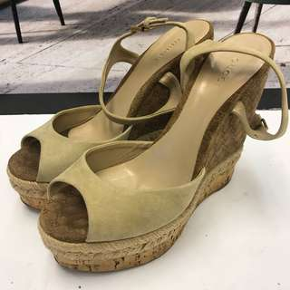 Gucci Seude Leather Wedges