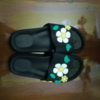 Floral Slip On Slippers