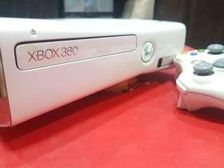 Xbox 360 Slim Set