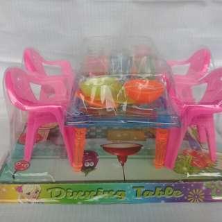 Meja Makan Mini