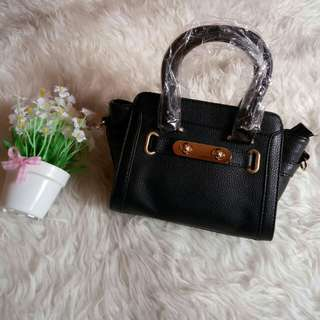 Coach mini black
