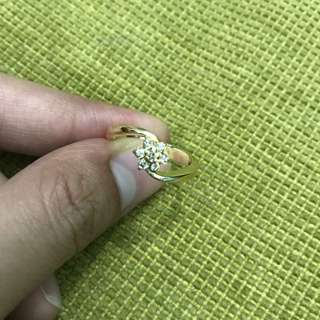 14 karat curved diamond rositas ring 3.7 grams