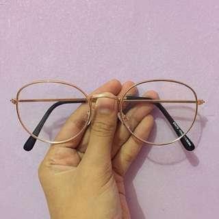 Kacamata Biasa