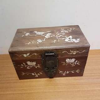 镶贝壳双层木盒