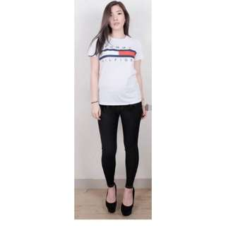 Tommy Jeans avail in white