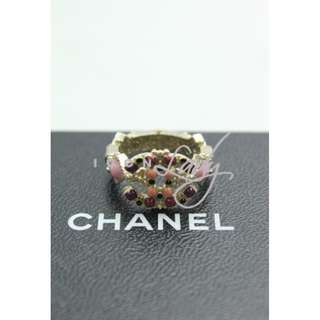 CHANEL A61647 淺金色CC Logo 綴玫瑰紅色/淺粉紅色搪瓷 / 黑色閃石 戒指