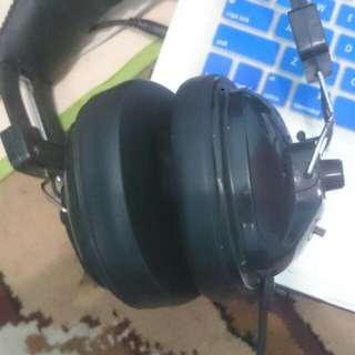 Headphone monitor