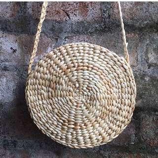 (PO)Bali (eceng gondok) moon bag